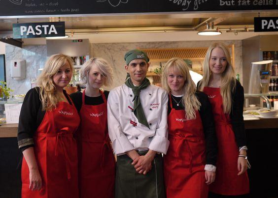 Hatten Bloggerinnen zum Kochen eingeladen. Bei unserem Kunden Vapiano. Die haben heute viel Spaß gehabt.