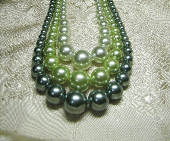 1950's Green Large Faux Pearl Vintage Triple Strand Bubble Bib Beaded Statement Apron Necklace