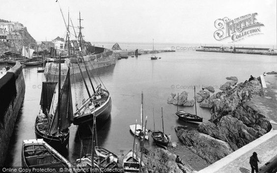 Old photo of The Harbour 1890, Mevagissey
