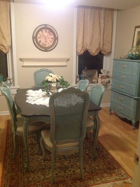 Thomasville Blue Painted Dining Room Table And Cane Back