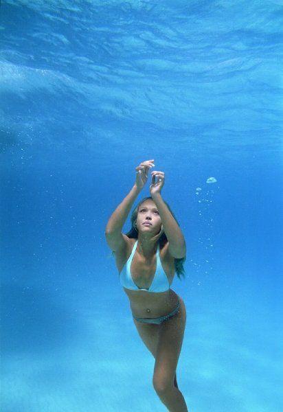 Jessica Alba - Into the Blue (2005)