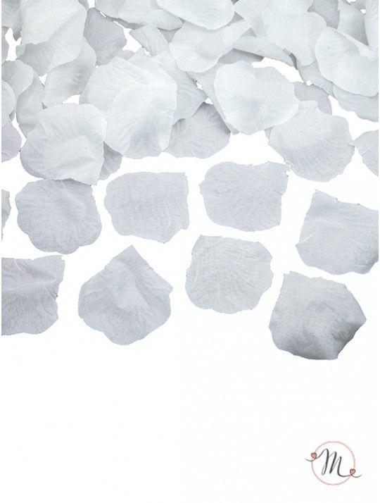Petali in tessuto bianchi. Petali in tessuto 100 pezzi. Ideali per allestimenti. #ricevimento  #allestimenti #matrimonio #ricevimentomatrimonio #nozze #weddingplanner #accessori #decori #tavoli #sedie #runner #fiocchi #wedding #weddingideas #ideasforwedding #petali #tessuto