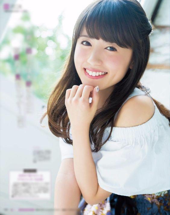 笑顔が素敵な逢田梨香子