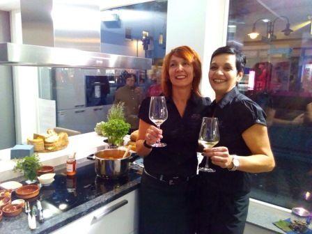 "Kirchheimer Mitternachtsshopping 2015 mit den ""Sister`s"" der Sis-Weinbar #wein #Sister #Sue #petra"