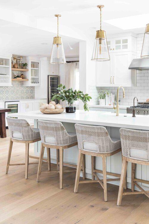 Modern coastal kitchen design Eastside Costa Mesa — Pure Salt Interiors - #kitchen #kitchendesign #kitchenremodel #kitchendecor #home #style