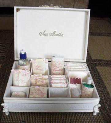 Caixas 15 Anos - Toaletes(0028CAS) e Kit de Produtos Personalizados(0129CAS) - Ana Martha - Tudo em Caixas