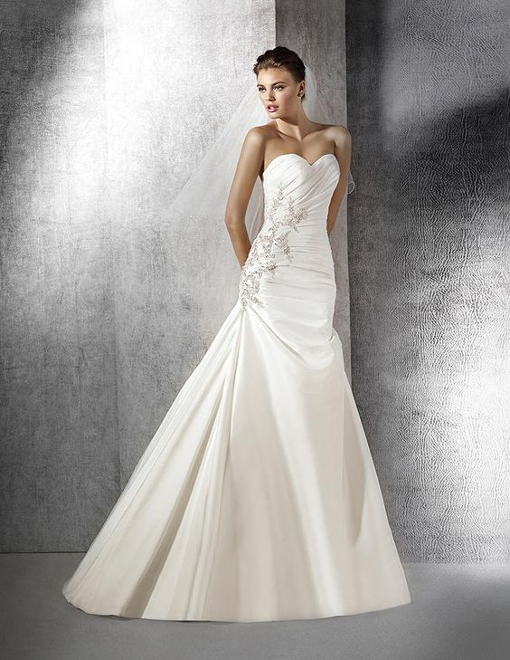 Zulaia, original wedding dress, sweetheart neckline