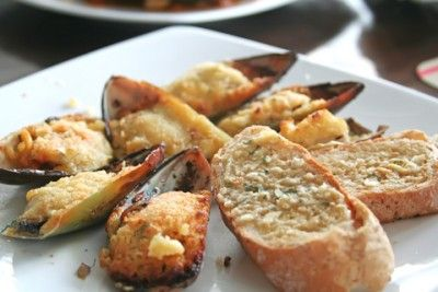 Baked mussels, Mussels and Bread crumbs on Pinterest