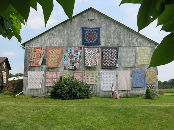 Mlle Andrea Quilts: The Sisters Outdoor Quilt Show vient à County Indiana, PA!
