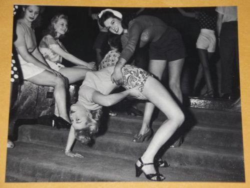 sexy hot girls dancing