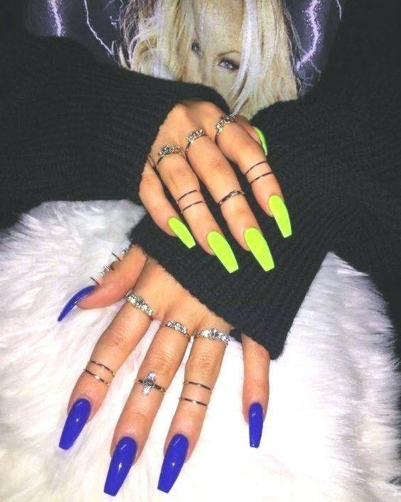 Acrylic Bright Bright Nail Color Coffinさまざまな色のネイルに対応する30の明るいマニキュアのアイデア Nails Bright Acryli Colored Acrylic Nails Bright Acrylic Nails Pretty Acrylic Nails