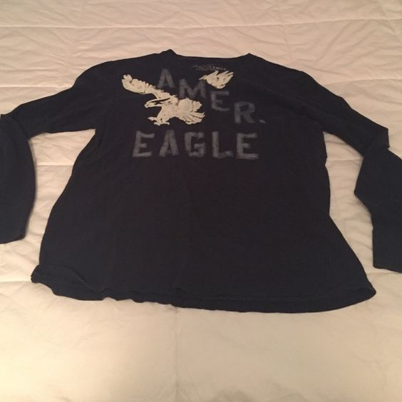 Men's American Eagle outfitters long sleeve shirt Very nice in great condition!!!!! American Eagle Outfitters Shirts Tees - Long Sleeve