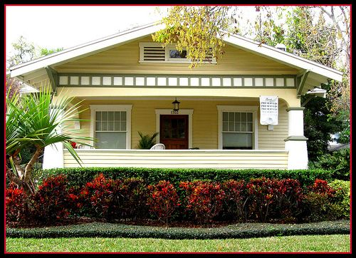 Craftsman bungalow paints colors color schemes for for Bungalow paint schemes