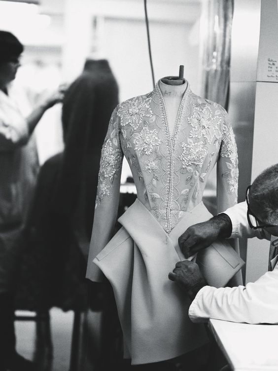birdcagewalk:    Inside the atelier for Christian Dior haute couture f/w 2009