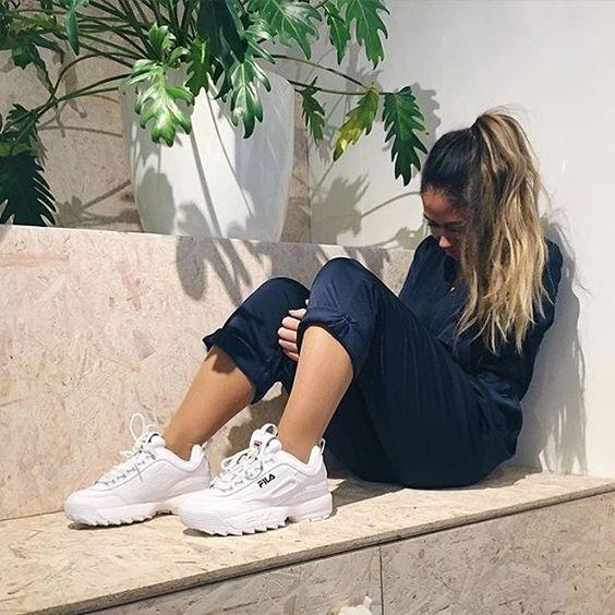 outfits con tenis fila blancos en 2020 | Zapatillas de moda ...