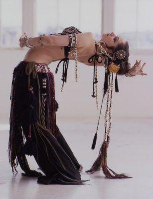 Google Image Result for http://3.bp.blogspot.com/-NkGm-fm3-IQ/Tb9A3jGqQdI/AAAAAAAADtQ/FGG1yqXtHQY/s400/belly-dance-dancers-sexy-nude-dubai-arab-desert-nude-tribal-belly-dress%25252C%2B%2525288%252529.jpg