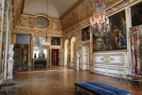 3) das zweite Vorzimmer war der Raum, in dem die Adeligen warten mussten, bis sie Morgenzeremoniell zum König vorgelassen wurden
