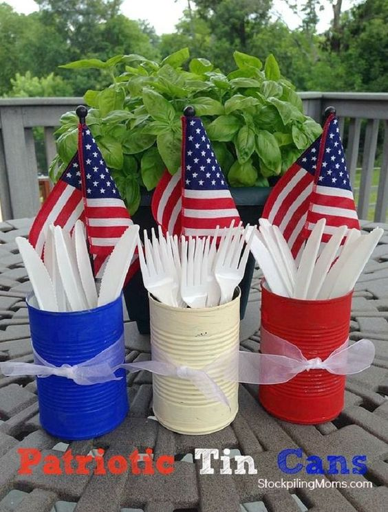 Easy DIY 4th of July or Memorial Day Party Utensil Holders. The best Patriotic decoration ideas for your party.