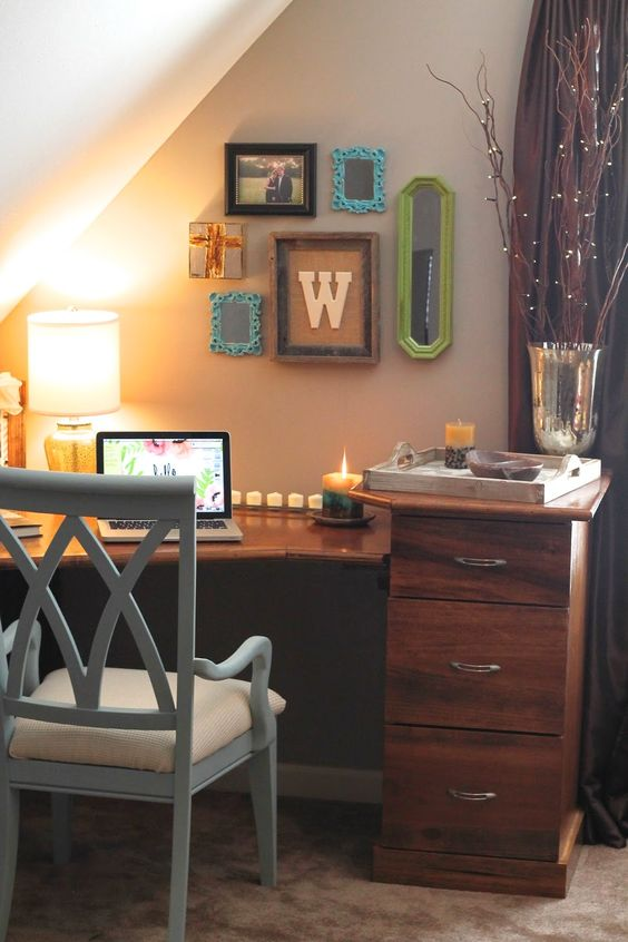 Simple and Adorable Office decor for a smaller space