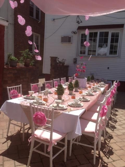 Outdoor tea party table setting ideas for bridal shower Backyard party table settings