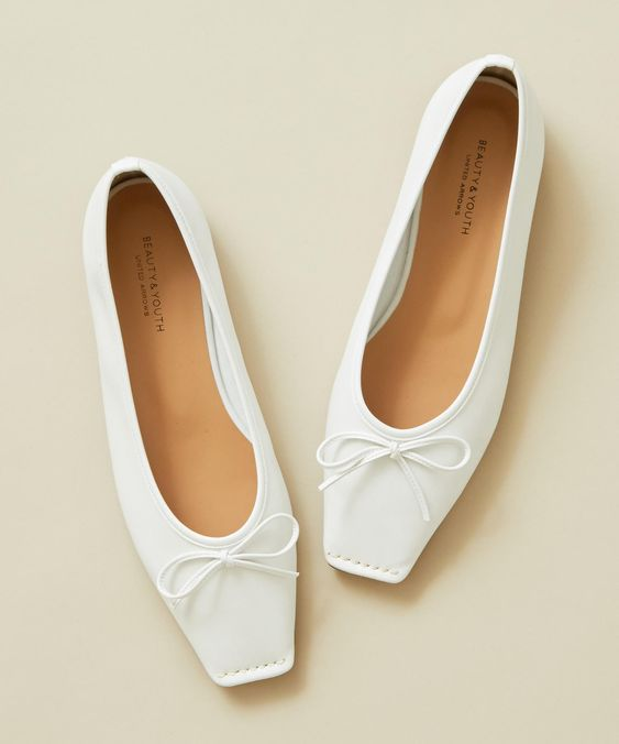 34 Spring White Shoes That Always Look Fantastic shoes womenshoes footwear shoestrends