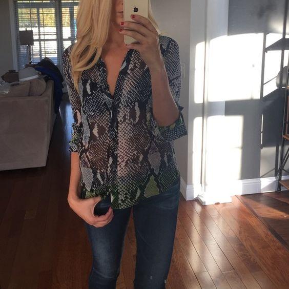 Diane Von Furstenberg Lorelei blouse Host Pick 100% silk. Sheer. Diane von Furstenberg Tops Blouses