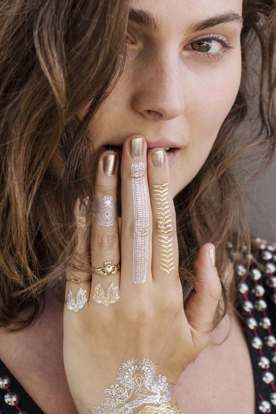 Gold Silver Jewels Hand Set// Mano diseño joyas. Oro-plata.