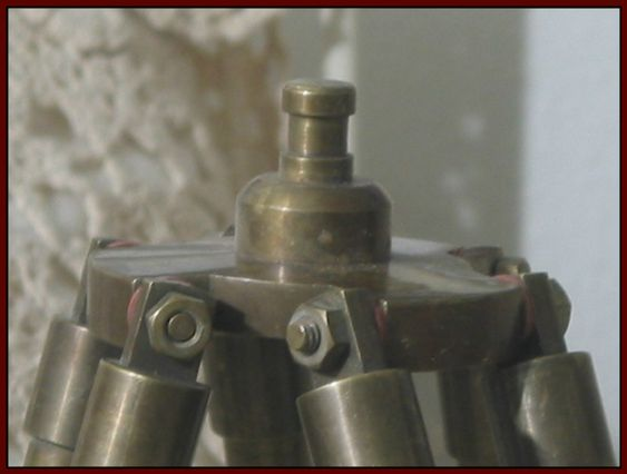TELESCOPE TRIPOD Small Solid Brass Old World Look Desk And Table Friendly Used  IMG 1860  http://ajunkeeshoppe.blogspot.com/