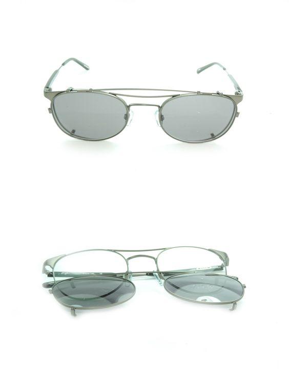 Occhiali da Sole Raen Mod. Strider in metallo con clip on, doppio ponte e forma a goccia. Disponibili due varianti di colore: - Black Gunmetal - Tortoise & Silver http://www.occhialifacili.com/prodotto/occhiali-sole-raen-mod-strider/