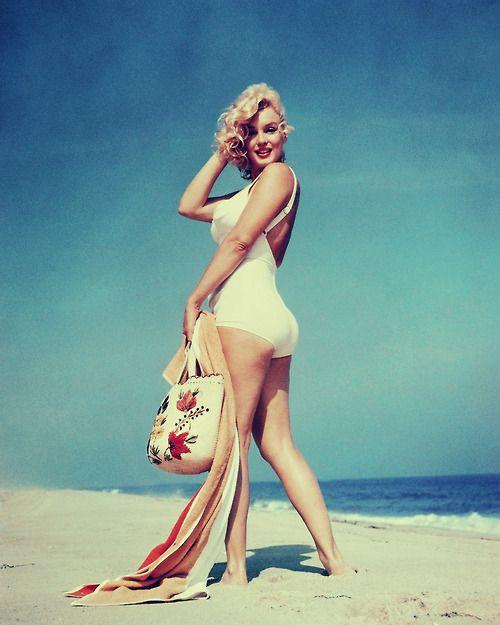 Curvy Happy Marilyn
