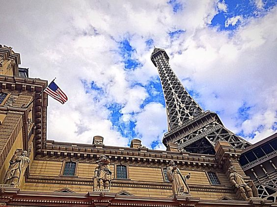 "parisvegas: ""So that's why we were voted best architecture in #Vegas..."""