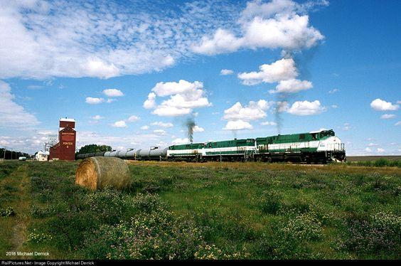 RailPictures.Net Photo: GWRS 2001 Great Western Railway MLW M420W at Ponteix, Saskatchewan, Canada by Michael Derrick