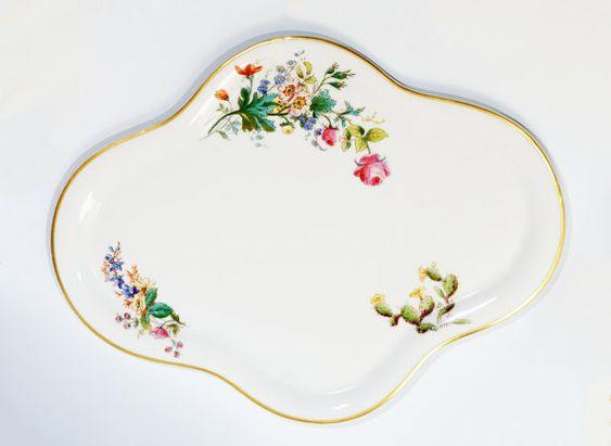 In #CherryOrchardAttic on #Etsy Antique Victorian Haviland Limoges France Pattern 5085-6 Cactus Tray Platter #PorcelainTray #PorcelainPlatter #AntiqueChina #china #servingtray #dishes #bonechina #haviland #Limoges #CactusFlowers #TableDecor #Dinnerware #tabledesign #diningroom #Antiques #Victorian #HavilandChina #LimogesFrance #Haviland #Porcelain