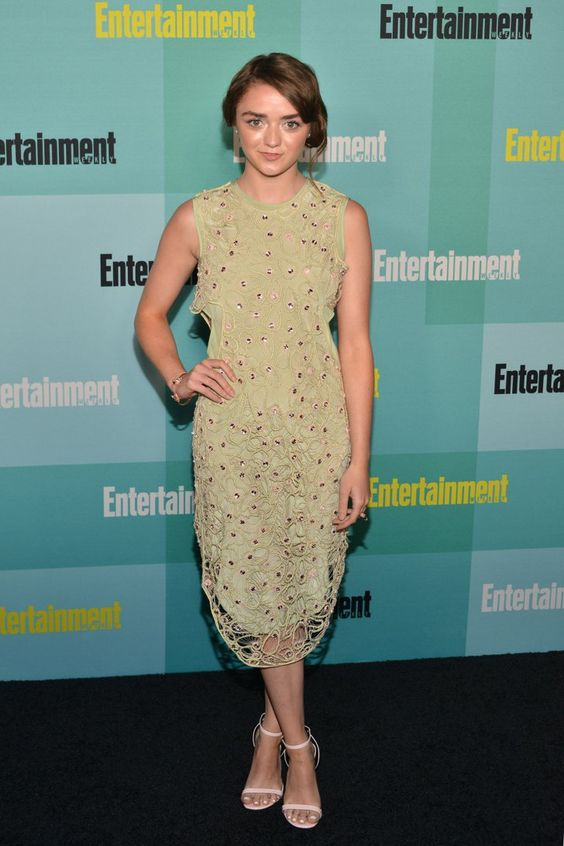 Pin for Later: 22 Times Maisie Williams's Teenage Wardrobe Was Cooler Than Yours  A pale green Alexander Lewis dress with an embroidered layer was just the right level of grown up for the Entertainment Weekly Comic-Con party.