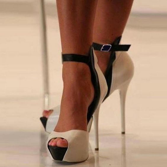 Fashion Peep Toe Strappy Stiletto High Heels Shoes