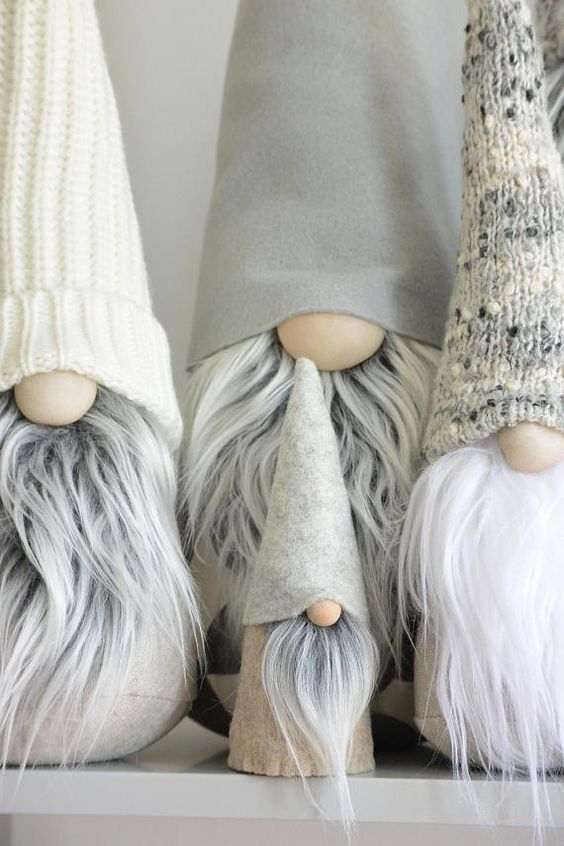 Mini Gnome/Midi Gnome, the tiny Scandinavian Tomte that brings happiness around wherever it goes. These little gnome are just the perfect smile makers, and what cute little gifts these tiny fellas make! This listing is for one (1) Mini/Midi Nordic Gnome™: • Mini is about 4 inches tall