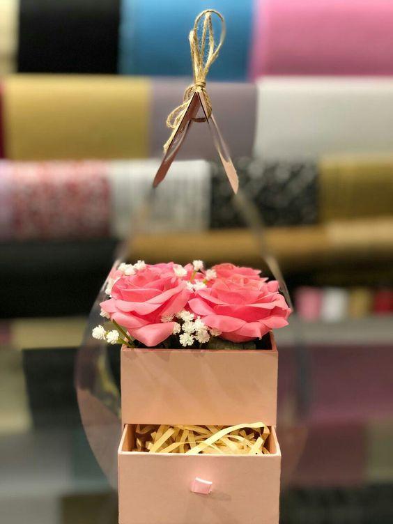 محل ورد بالرياض 0582613805 محل ورد بالرياض توصيل ورود بالرياض ورد بالرياض ورود طبيعيه بالرياض وىد صناعي بالرياض ورود ب Gifts Crown Jewelry Gift Wrapping