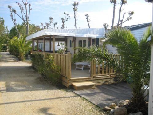 St Tropez Luxe Strandhuisje Prive Op Resort Kontiki Vakantiehuizen Frankrijk Marktplaats Nl Luxe Zwembaden Strandhuisjes Resorts