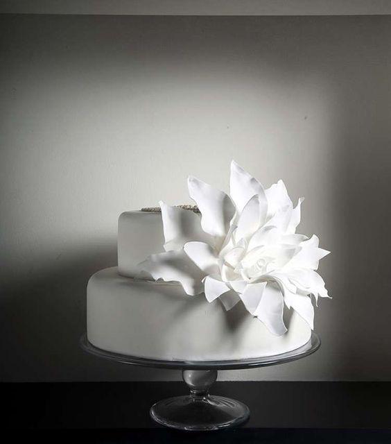 Torte nuziali bianche - Torta bassa moderna