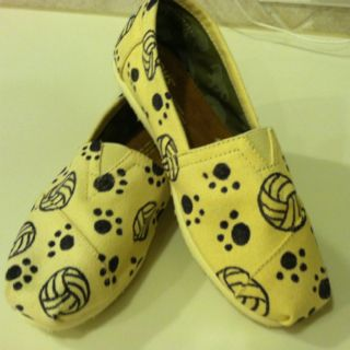 Volleyball  TOMS:)