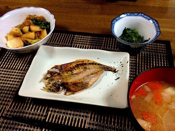 和食な晩ご飯になりました^_^ - 59件のもぐもぐ - アジの開き 豚汁 カブと厚揚げの炒め煮(醤油麹使用) 春菊の胡麻和え by ayuzato
