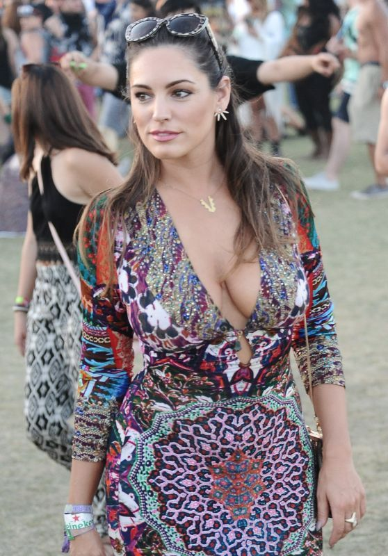 Kelly Brook in Patterned Dress – Coachella Music & Arts Festival 2015