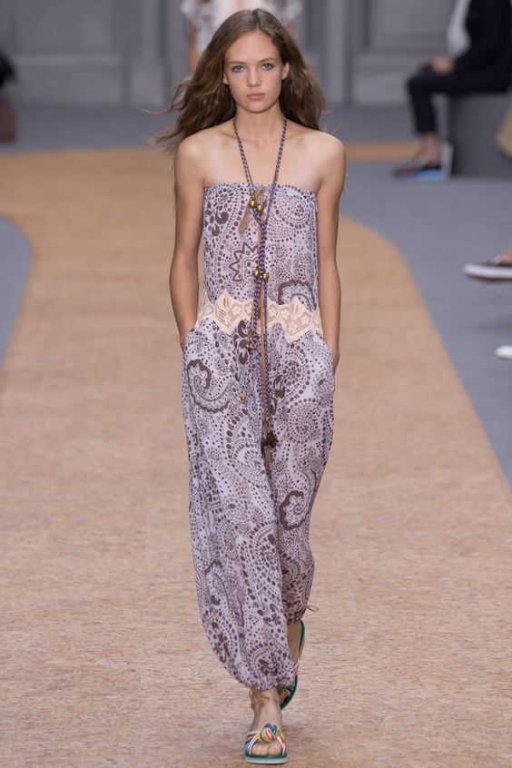 http://www.vogue.com/fashion-shows/spring-2016-ready-to-wear/chloe/slideshow/collection: