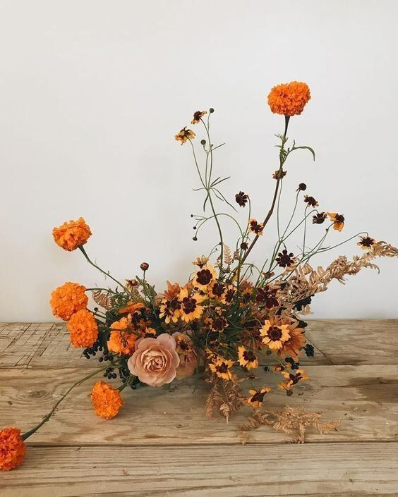Orange Wedding Trend Sixfour In 2020 Fall Floral Arrangements Flower Arrangements Flowers