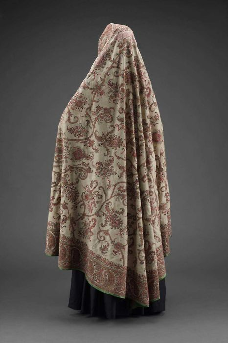 Iranian chador via The Costume Institute of the Metropolitan Museum of Art: