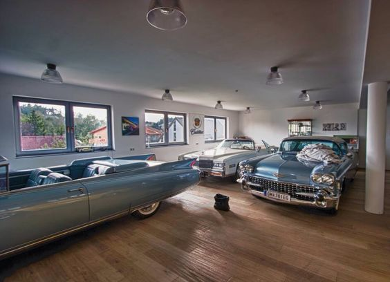Cadillac home show room