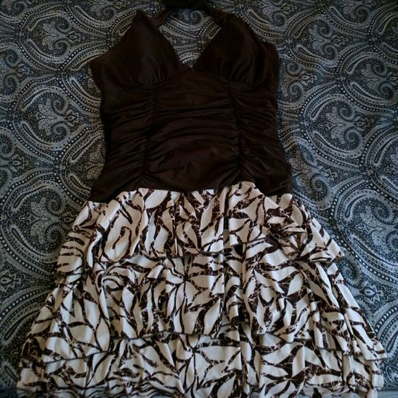 Akoya Ruched Halter Dress Cute ruched halter dress featuring a brown bodice and a brown and cream patterned skirt. Akoya Dresses