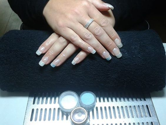 3 Color glitter french manicure