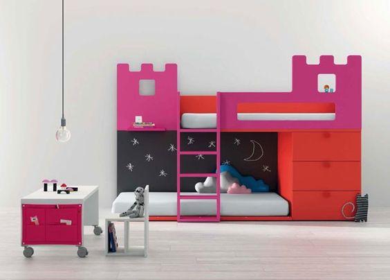 Dormitorio con Litera infantil forma de Castillo