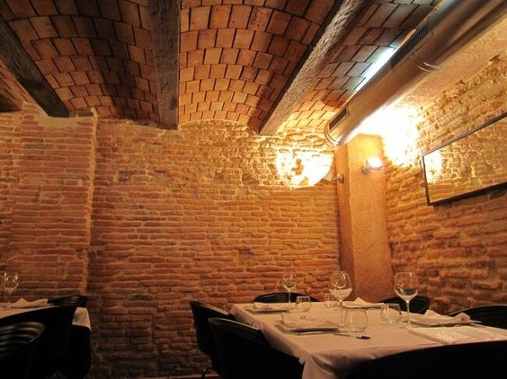 Revestimiento de ladrillo de piedra artificial en paredes decoraci n en hosteler a con mortero - Revestimiento paredes imitacion piedra ...
